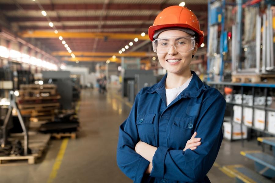 Manufactoring Employee Getty1140837585