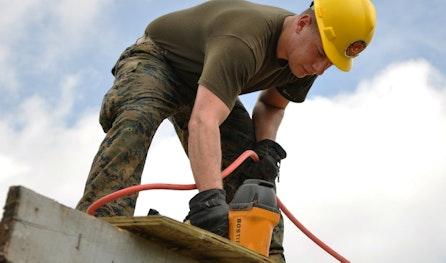 Worker 635755 1920